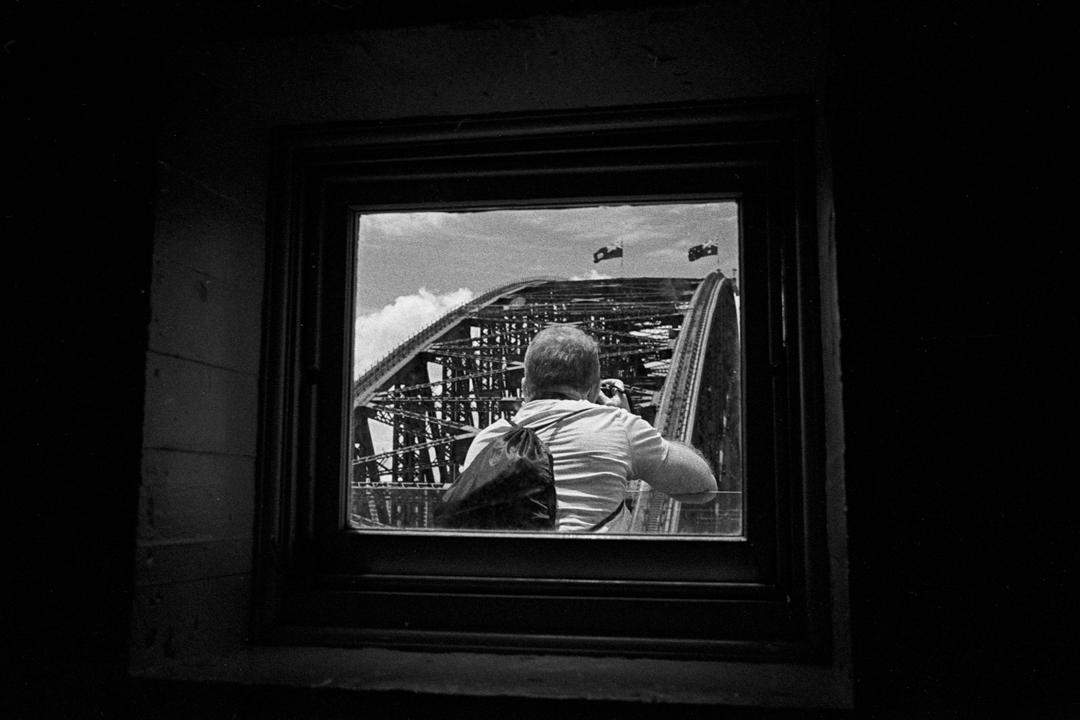 photographer-on-the-bridge-m7-tri-x-1