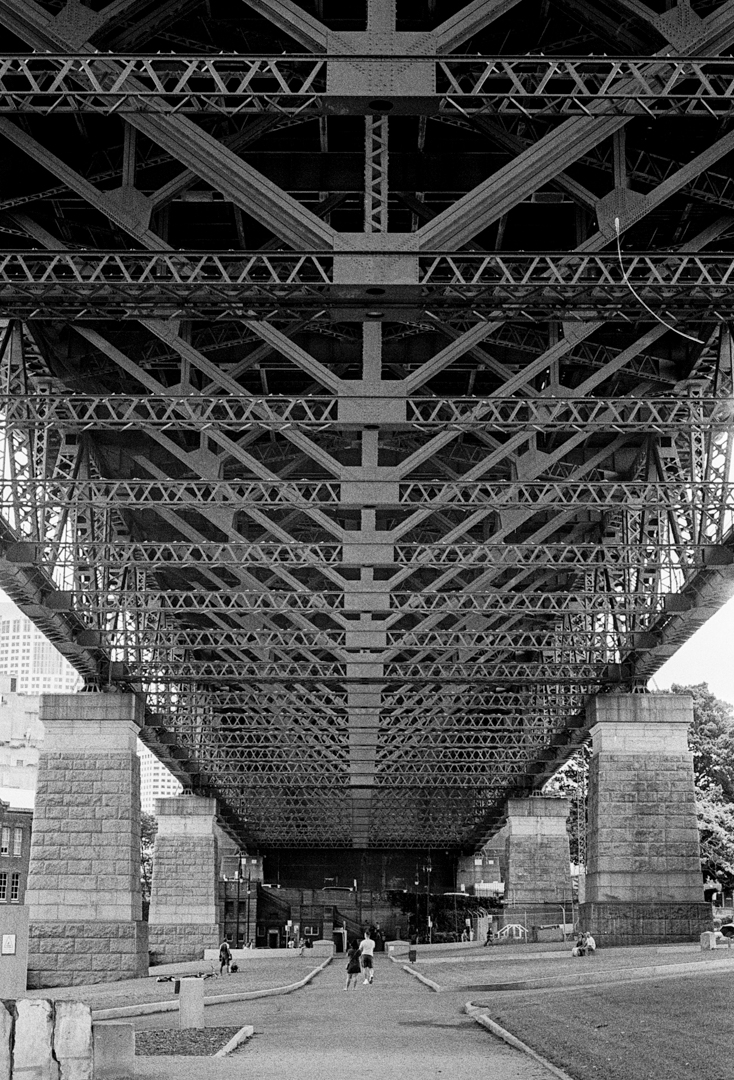 under-the-bridge-m7-tri-x-1